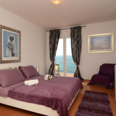 villa-mery-bedroom1-01