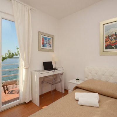 villa-mery-bedroom2-02
