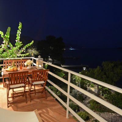 villa-mery-terrace1-night-01