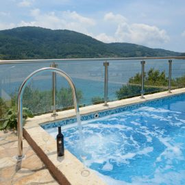 holiday-home-paradise-house1-pool-waterfall-02